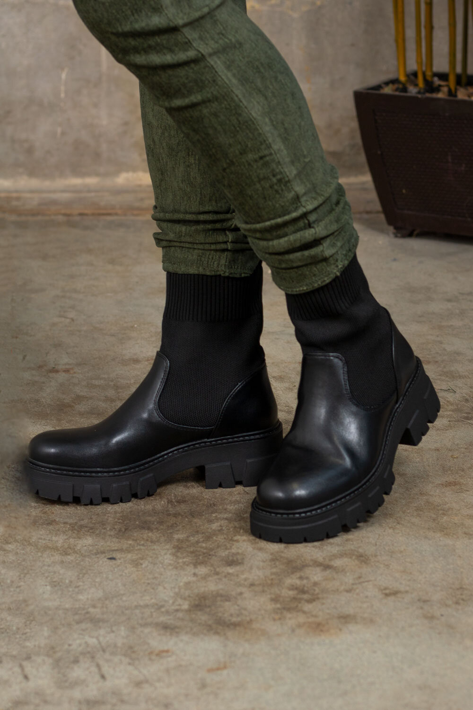 Boots RQ371 - Black