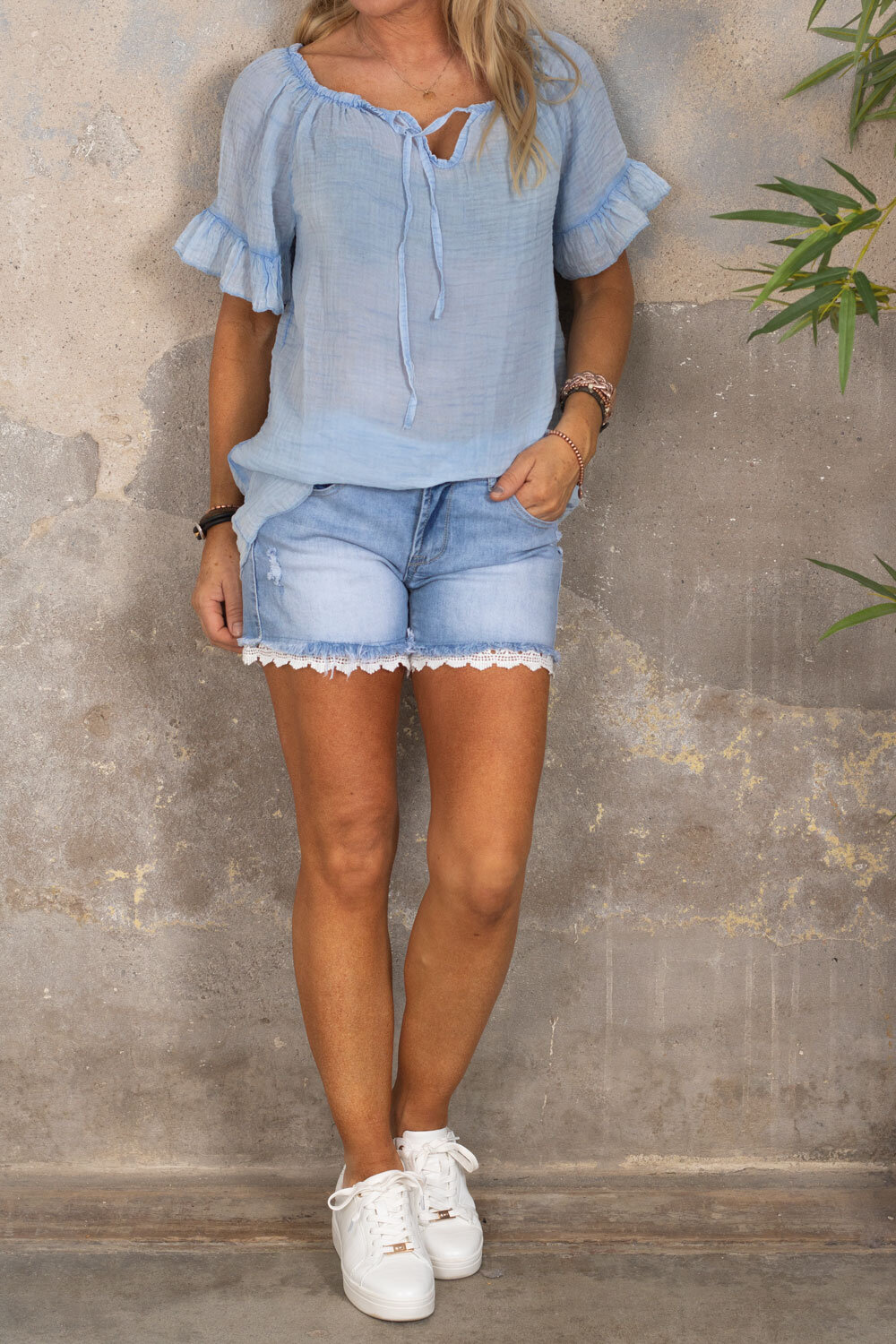 Emmie Blouse - With tie - Light blue