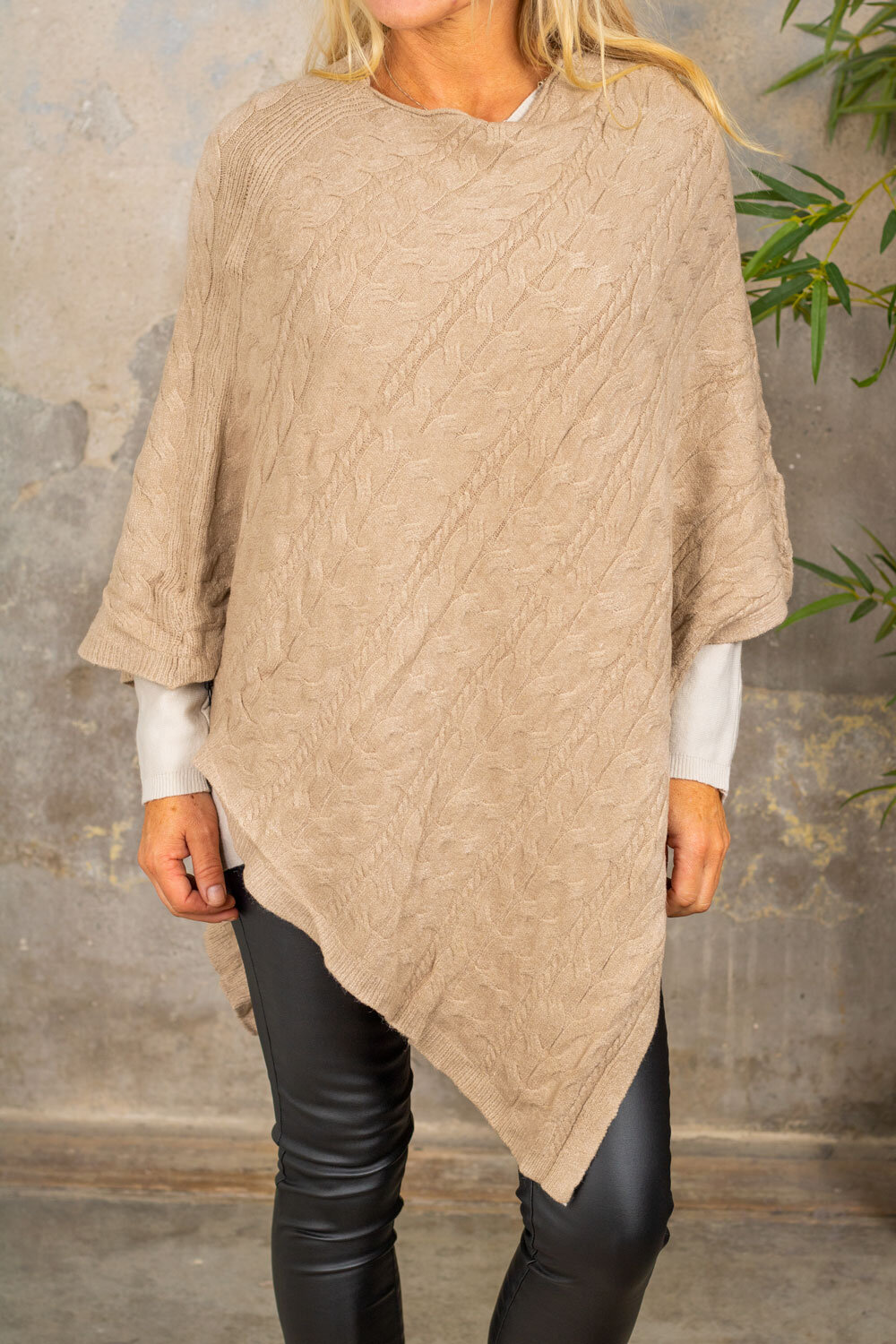 Braided poncho - Taupe