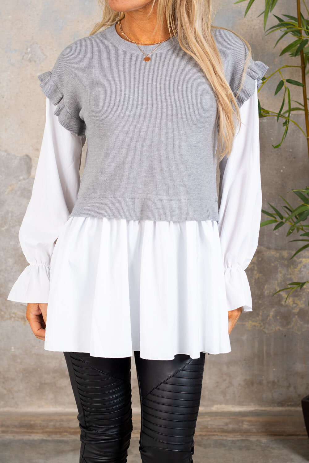 Gwen - Sweater with Blouse - Gray