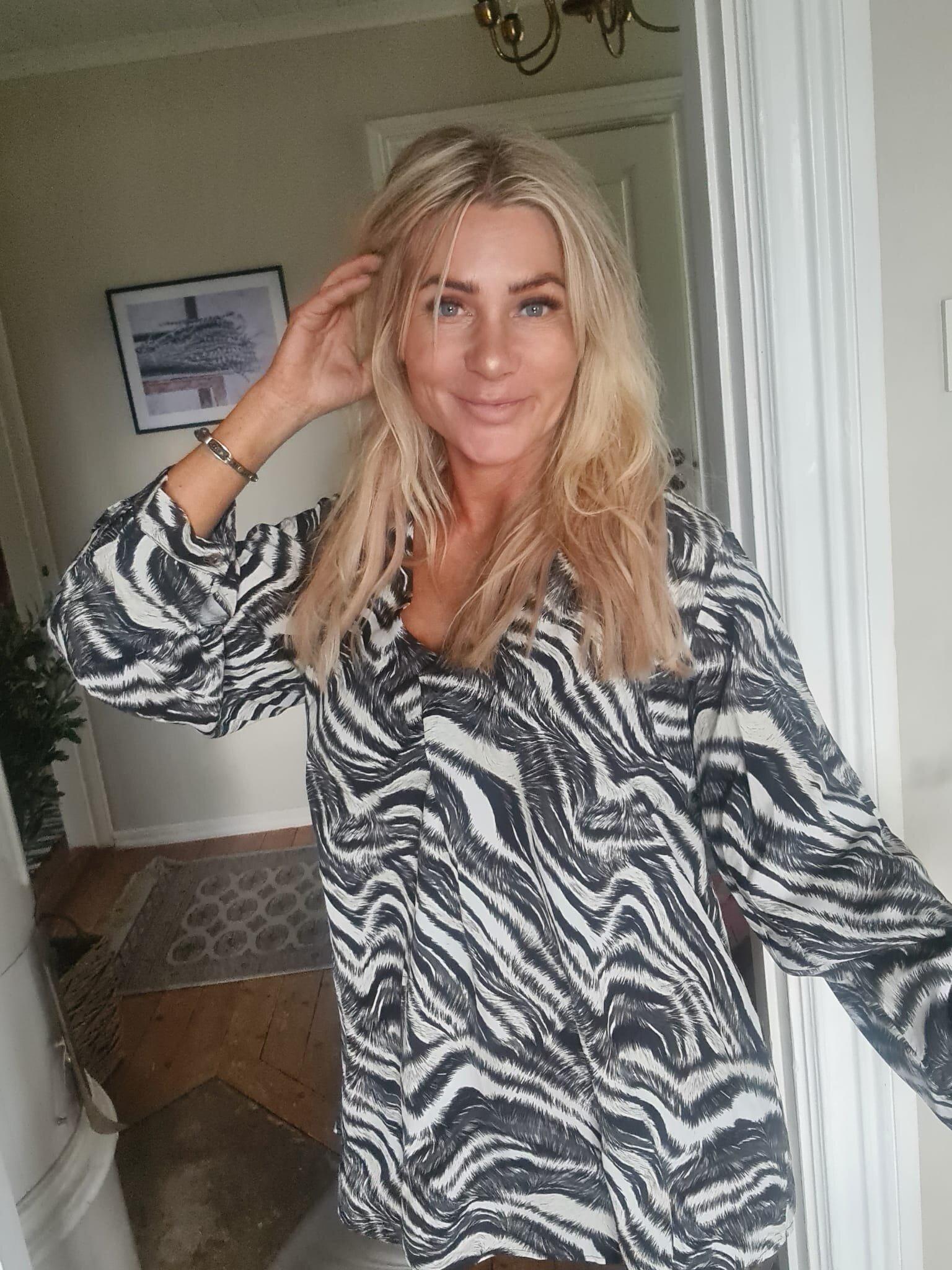 Helena blouse - Zebra pattern - Black/Cream