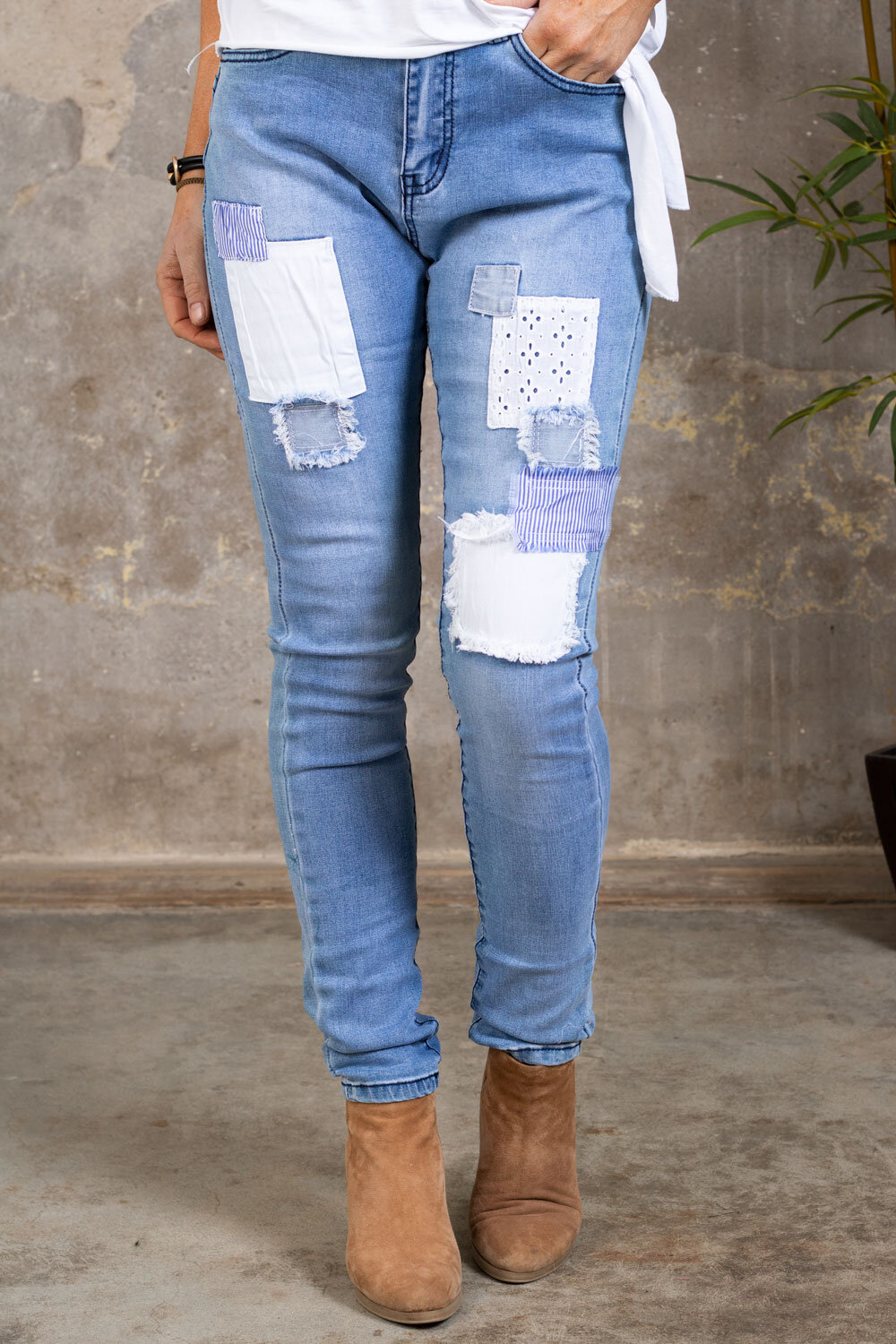 Jeans with patches - JW9158 - Light washing