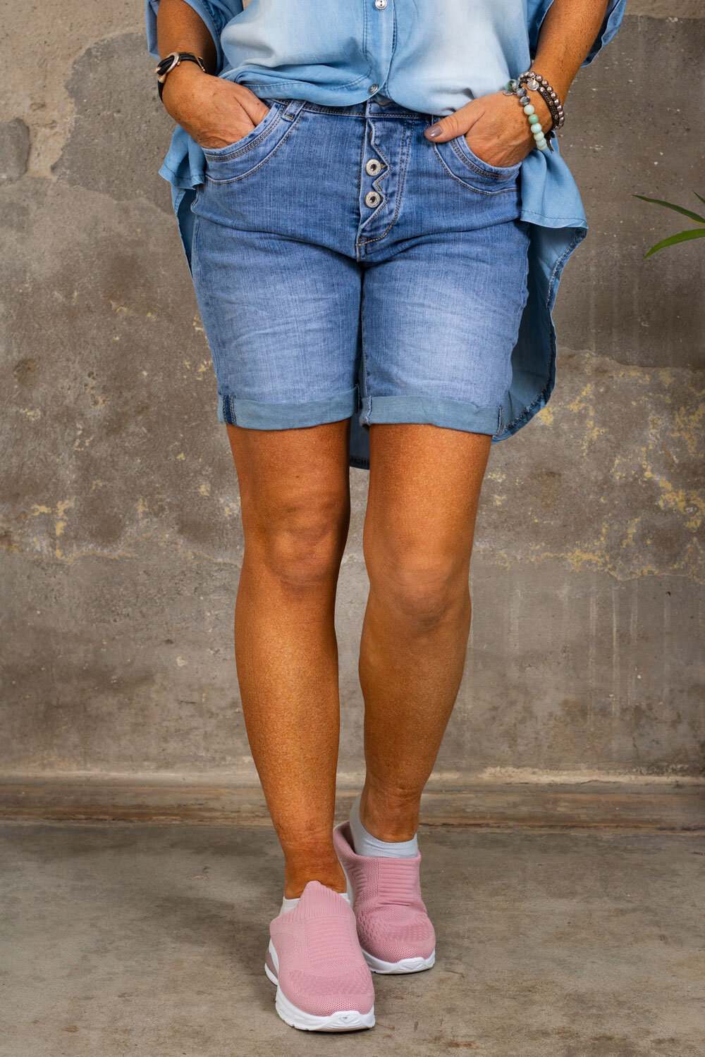 Jeans shorts S9356 - Button fly detail - Light wash
