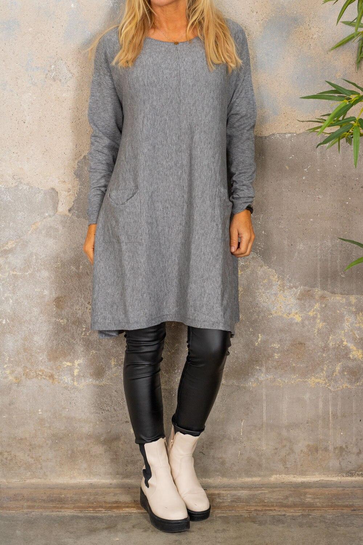Klara Knitted dress - Pockets - Gray