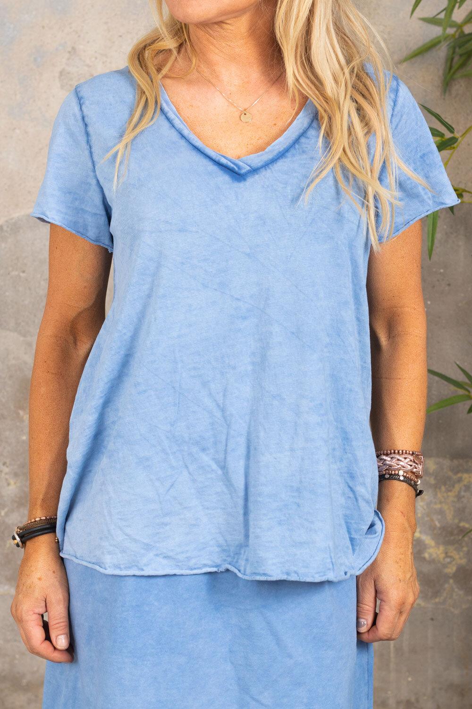 Marina - V-neck T-shirt - Blue