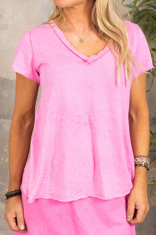 Marina - V-neck T-shirt - Cerise