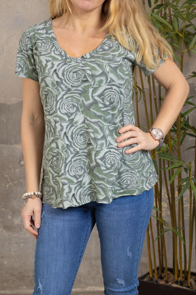 Marina - V-neck T-shirt - Roses - Khaki