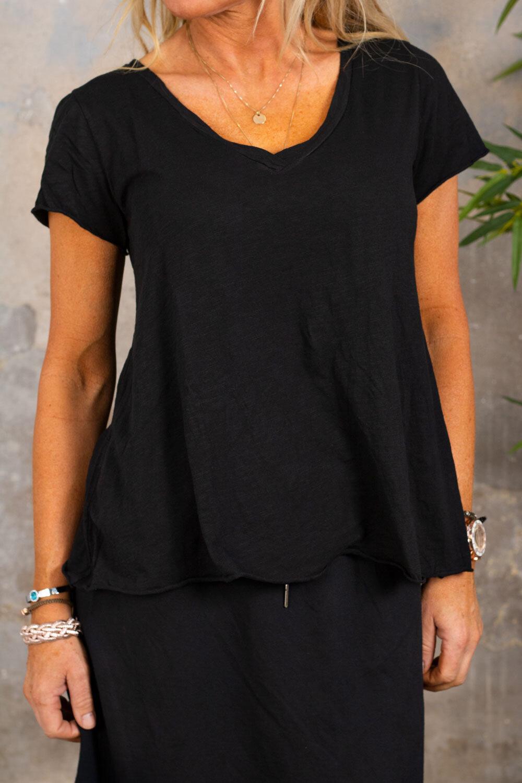 Marina - V-neck T-shirt - Black