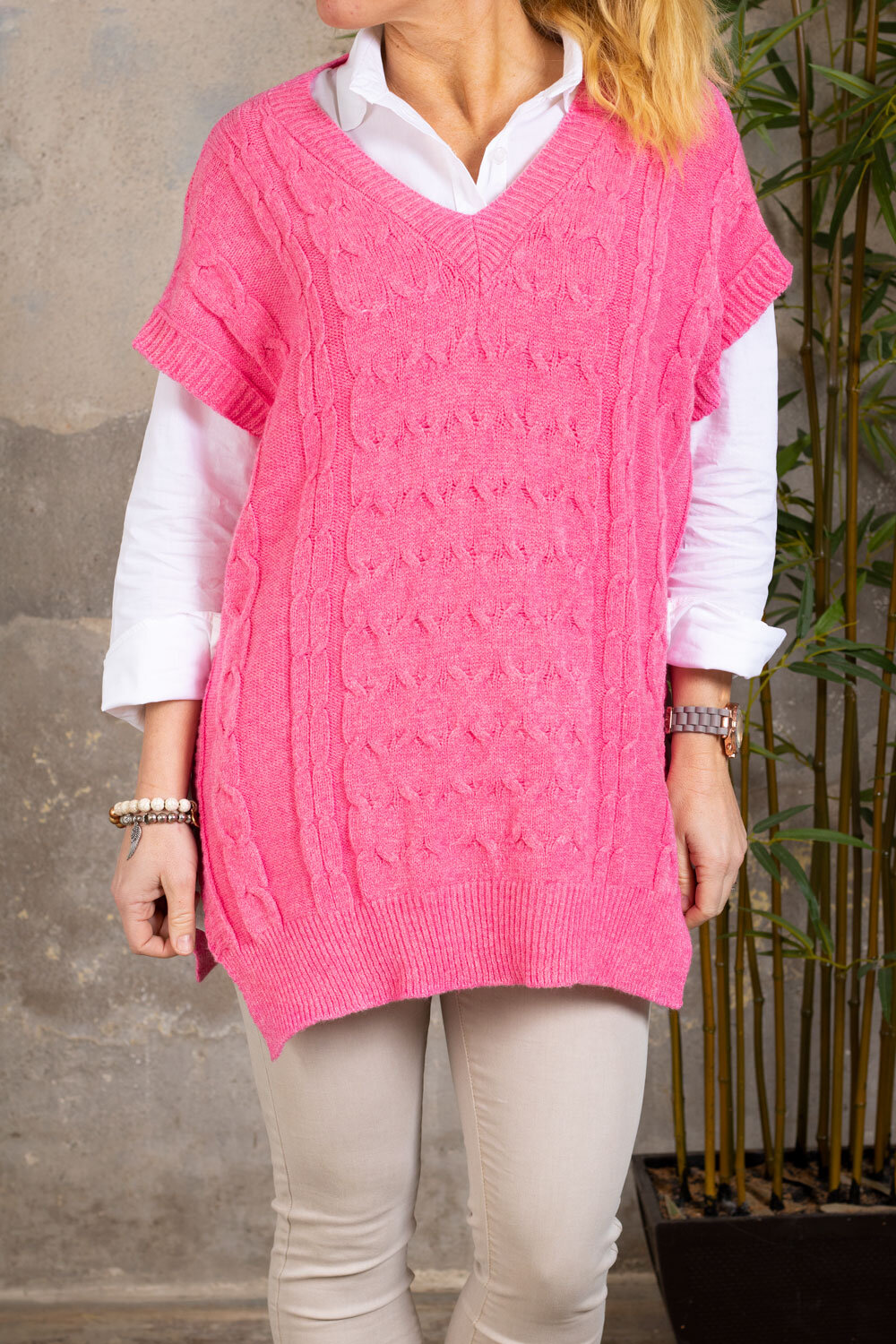 Draw vest - Knitted & Slits - Cerise
