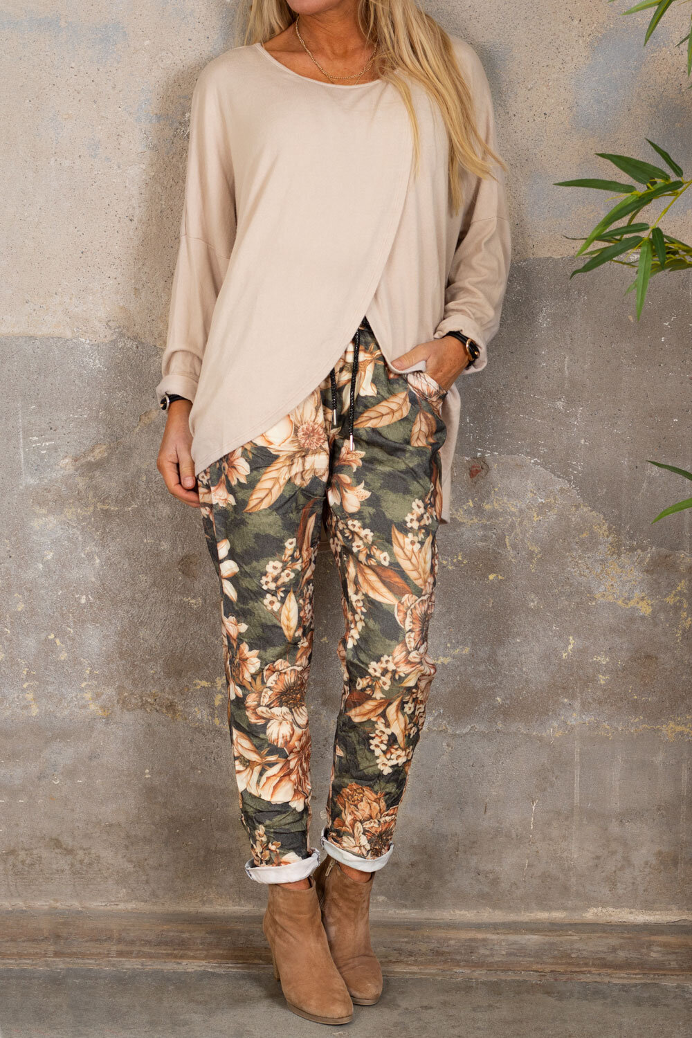 Stretch pants - Large flowers - Khaki/Taupe