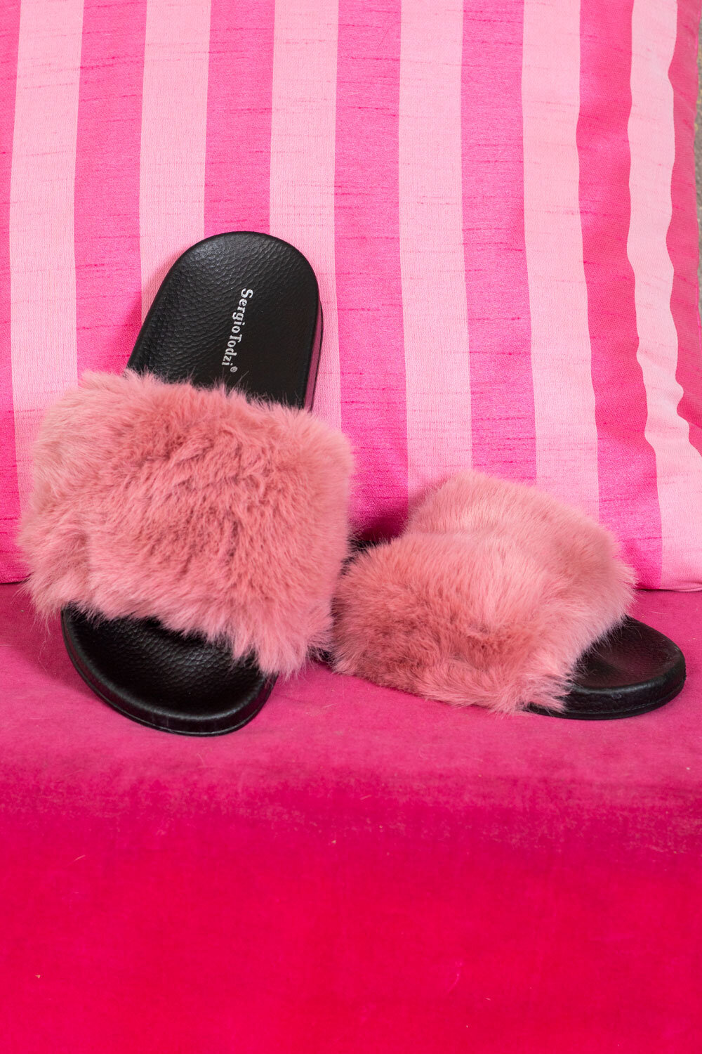 Slippers with Faux Fur - 002 - Pink