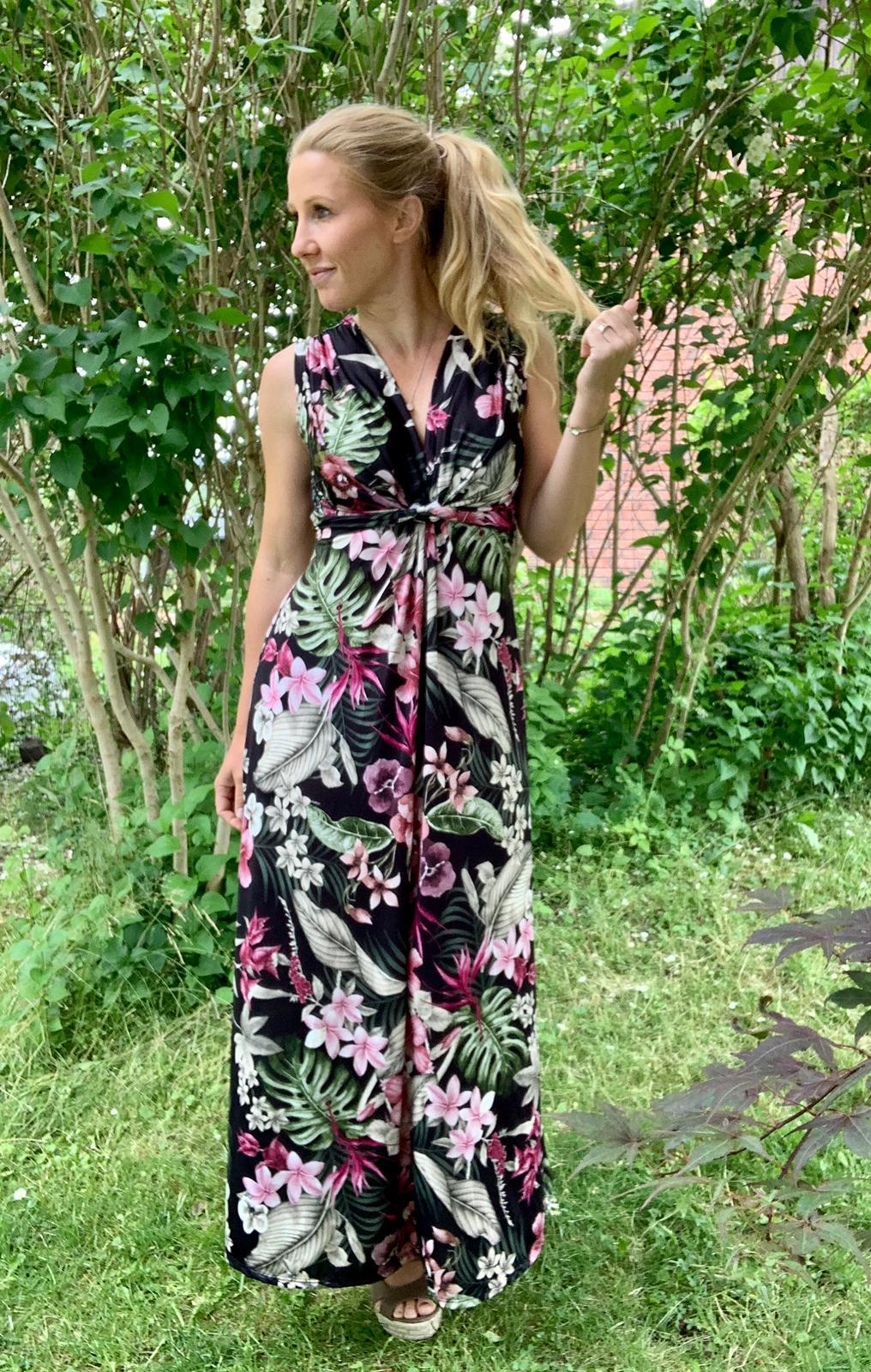 carly-långklänning-svart-tropisk-mobil-svart