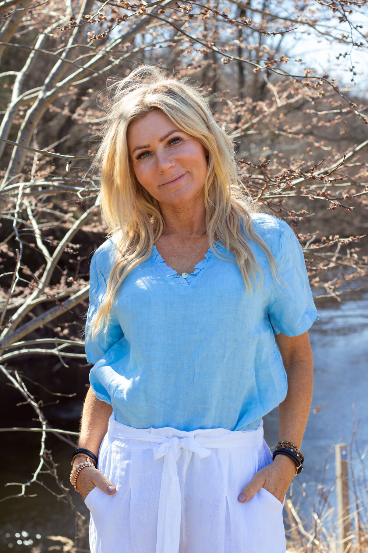 Mia Linen shirt - Ruffles - Sky blue